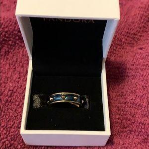 Monet ring